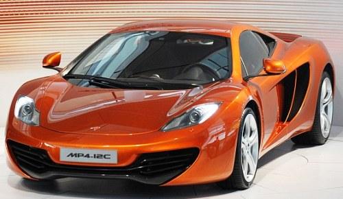 """McLaren в ответ Ferrari выпустил """"болид F1 для дорог"""""""