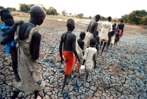 climate refugees essay Climate change refugees category: ecology environmental refugees: the dawn of the 21st century has brought about many climatic calamities the most significant is climate change with all its relative environmental and social issues.