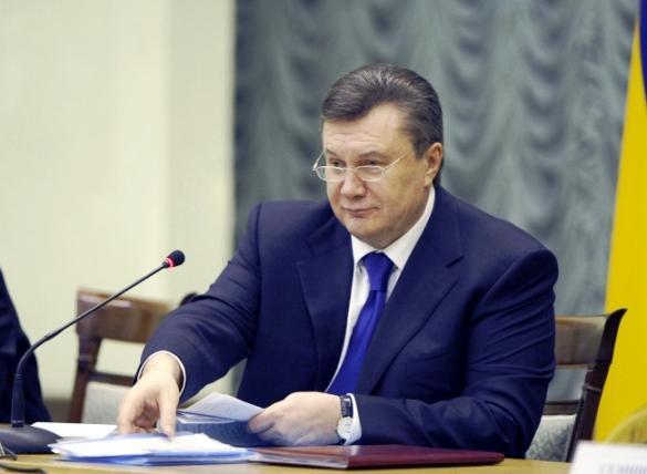 Янукович наградил украинских общественных деятелей