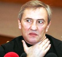 Азаров Черновецкому - или работай или в отставку