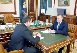 Янукович поручил Тигипко облегчить жизнь малому бизнесу