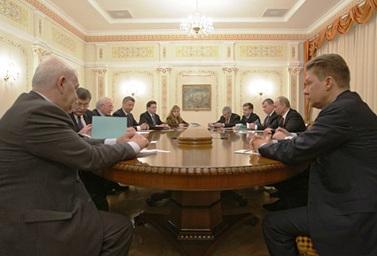 Азаров с Путиным провели переговоры в Москве