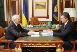 Янукович напрягает Азарова побыстрее приступить к бюджету