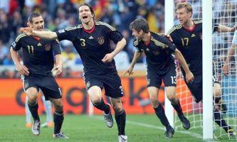 ЧМ-2010: Германия всухую 4:0 выиграла у Аргентины