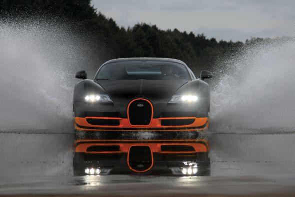 Суперкар Bugatti Veyron 16.4 Super Sport побил новый рекорд