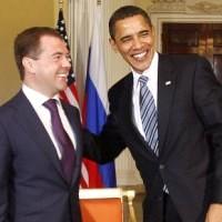 Янукович и Медведев поздравили Обаму с Днем независимости США