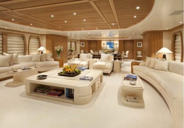 Супер-яхта Aquarius выставлена на продажу