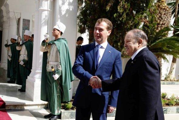 Дмитрий Медведев совершил официальный визит в Алжир