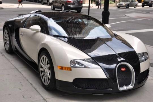 Неудавшийся тест-драйв Bugatti Veyron привел к ДТП