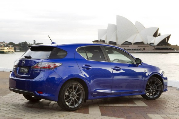 Lexus представил хэтчбек CT 200h F-Sport