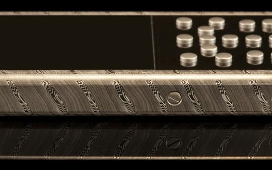 Mobiado презентовал роскошный телефон 105 Damascus