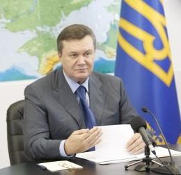 Янукович с Азаровым предостерегли об использовании на выборах админресурса