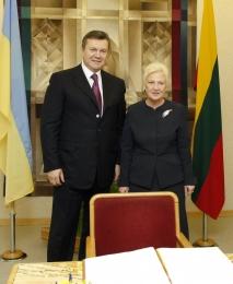 Виктор Янукович с официальным визитом посетил Литву