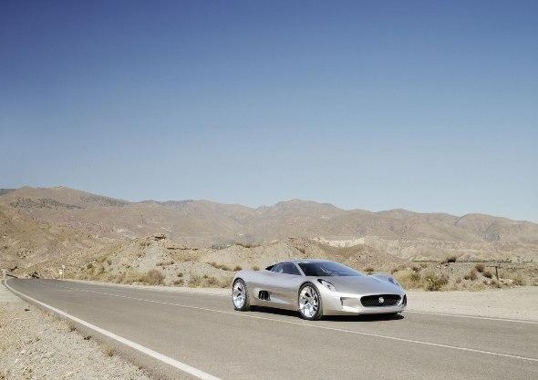 Jaguar показал реактивный электрический суперкар C-X75