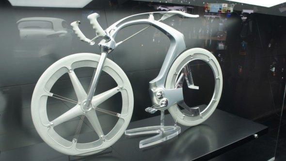 Peugeot на автошоу в Париже показал велосипед с электроприводом