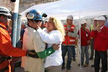 Янукович поздравил чилийцев со спасением шахтеров