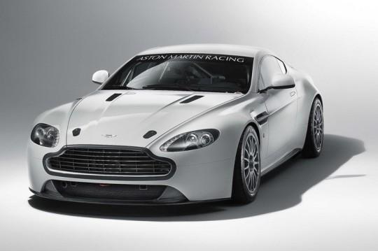 Анонсирован суперкар 2011 Aston Martin Vantage GT4