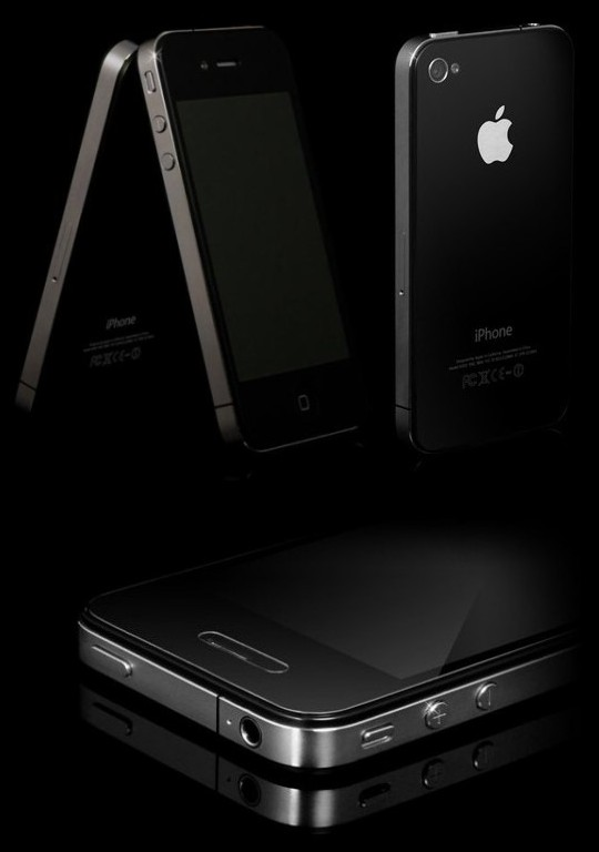 Goldgenie представил коллекцию роскошных телефонов iPhone 4