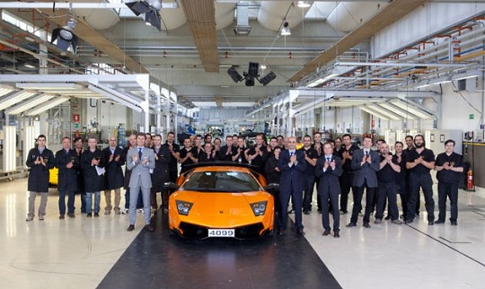 Lamborghini выпустила последний 4099-й LP670-4 SuperVeloce