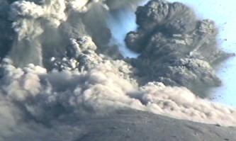 В Индонезии извергается вулкан Мерапи - есть жертвы