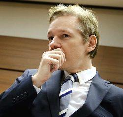 Основатель WikiLeaks Джулиан Ассанж арестован за изнасилования
