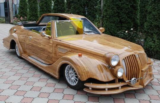 На выставке роскоши Miljonair Fair украинец презентовал автомобиль из дерева