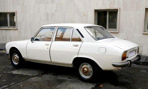 Peugeot 504 Махмуда Ахмадинежада продадут за более  млн