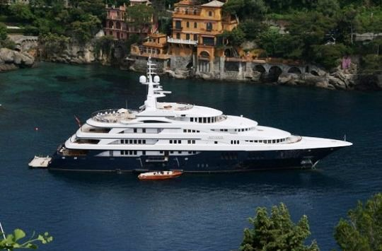 70-метровая суперяхта Reverie продается за $ 75 000 000