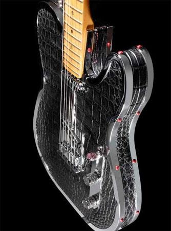 Эксклюзивная гитара из кожи аллигатора от Rock Royalty