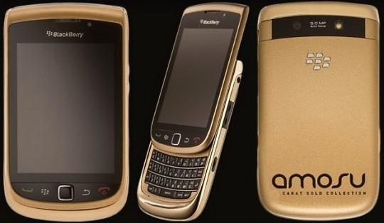Alexander Amosu презентовал смартфон Blackberry 18ct Solid Gold Torch