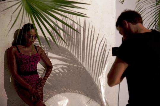 Наоми Кэмпбелл представила очки Animalier от Dolce&Gabbana