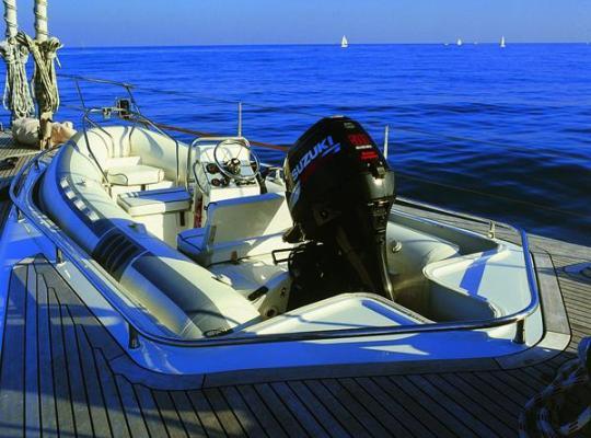 Люксовая яхта Sea Rose Star выставлена за $ 6 000 000