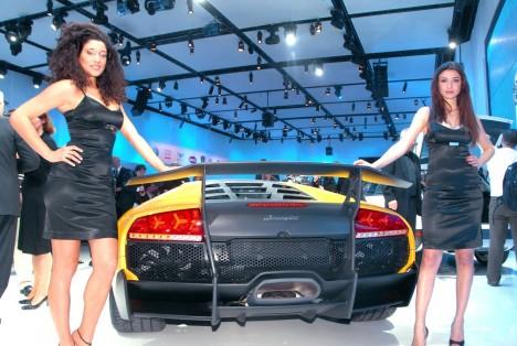 Lamborghini представит новую модель Aventador
