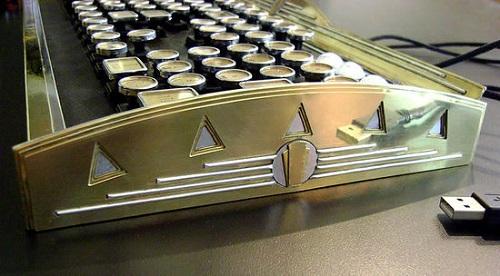 Арт-деко клавиатура от New Yorker