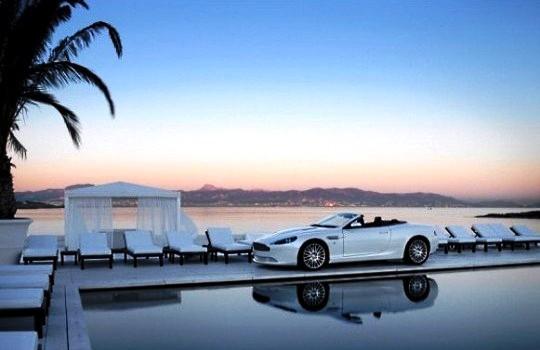Aston Martin и Mobiado выпустят коллекцию телефонов Люкс