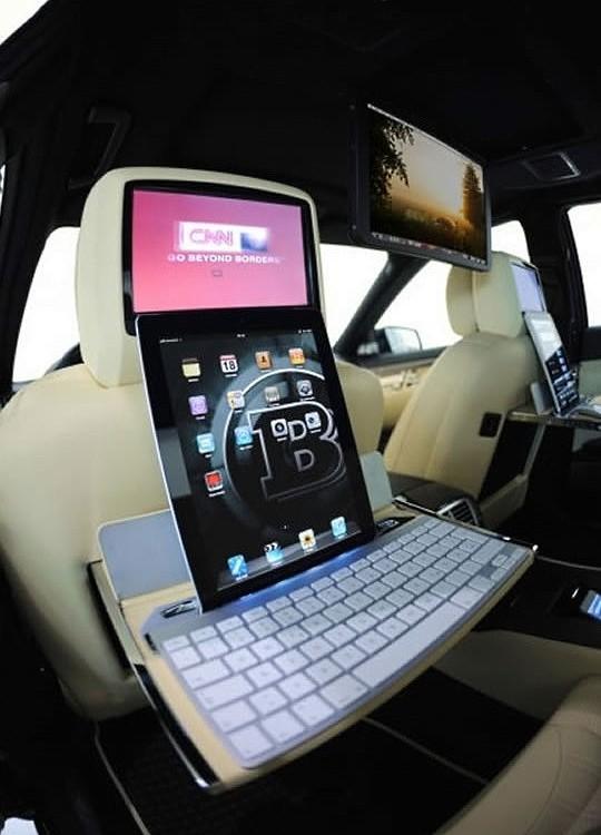 Brabus iBusiness 2.0 апгрейдился планшетами iPad 2