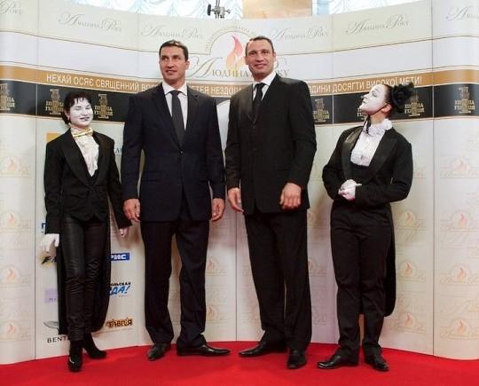 «Человек года-2010» - Братья Кличко стали Кумирами года в Украине