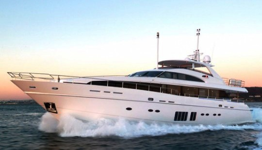 LVMH презентовал люксовую яхту Princess 32M за  млн