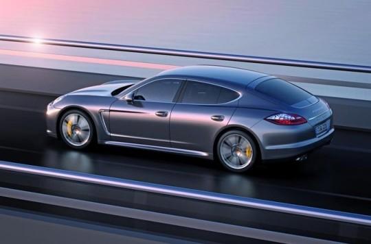 Суперкар Porsche Panamera Turbo S