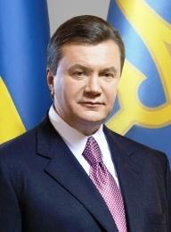 Виктор Янукович поздравил женщин с праздником 8 Марта
