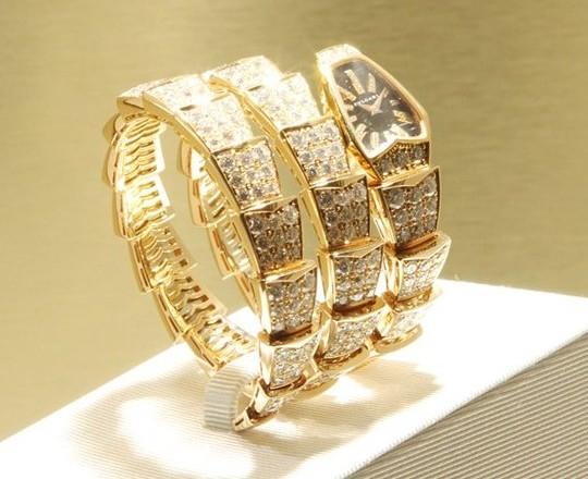 Bulgari представил коллекцию «змеиных часов» Serpenti