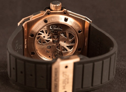 Эксклюзивные часы Gold King Power Tourbillon GMT от Hublot