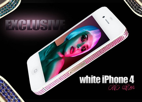 Стюарт Хьюз представил эксклюзивный iPhone 4 White 'CHIC' Edition