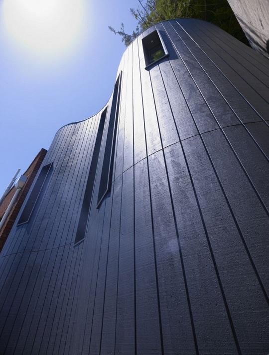 Ультрасовременный дизайн открытой террасы отеля The Blues Point Hotel