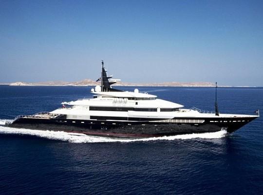 Мегаяхта Alfa Nero от Oceanco продается за 8 миллионов