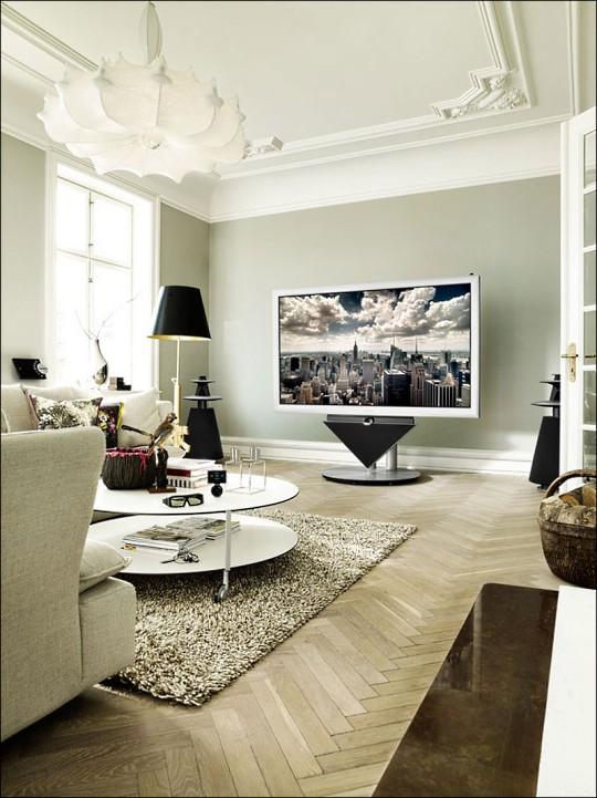 Bang & Olufsen представила гигантский 3D-телевизор BeoVision 4