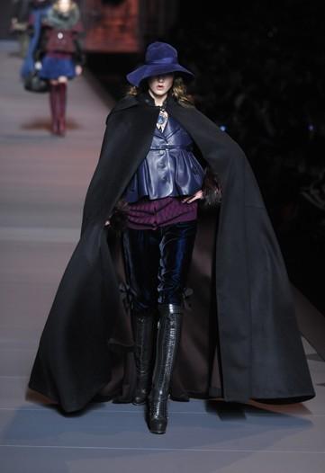 Сезон осень/зима 2011 в моде уже открыли Mugler и Christian Dior