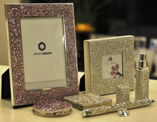 Crystograph представил фоторамки в кристаллах Swarovski