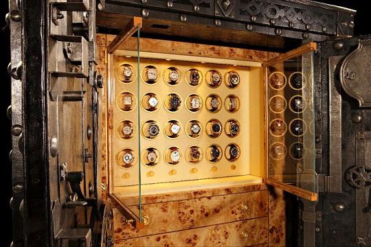 Döttling презентовал 200-летний люксовый сейф «Бонапарт»