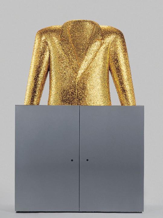 Алессандро Мендини и Bisazza представили коллекцию гигантских золотых скульптур